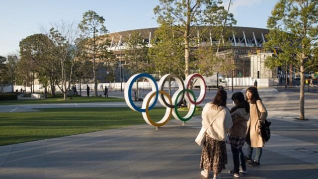 Foto: Los Anillos Olímpicos afuera del Estadio Nacional de Tokio. Getty Images