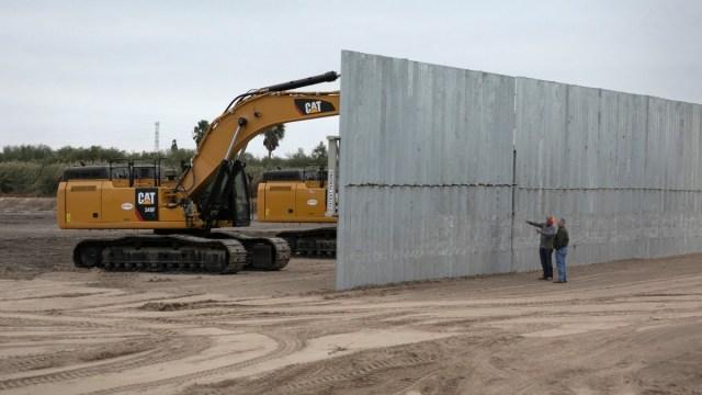 Foto: Construcción del muro en la frontera entre Estados Unidos y México. Getty Images