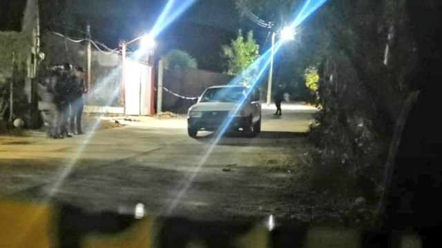 Foto: Los cuerpos fueron hallados en un automóvil sedán de color blanco.