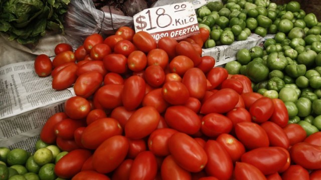 Foto:La aceleración estuvo asociada a incrementos en los precios del jitomate, tomate verde y cigarrillos, 7 febrero 2020