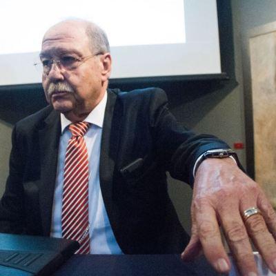 Emilio Lozoya recibe visita de su abogado Javier Coello en España