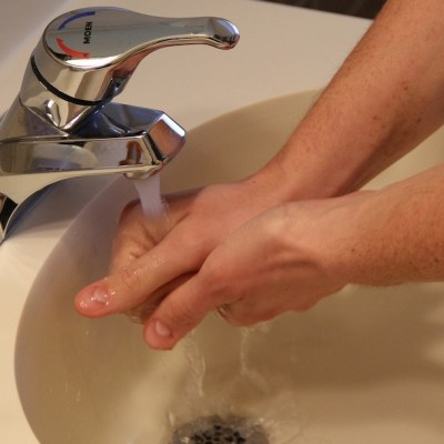 Pasos para lavarnos bien las manos y evitar enfermedades como el Coronavirus, según la OMS