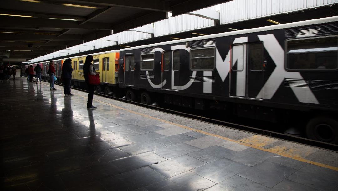 FOTO: Detienen a hombre en Metro Cuitláhuac CDMX por abuso sexual contra niña, el 26 de febrero de 2020