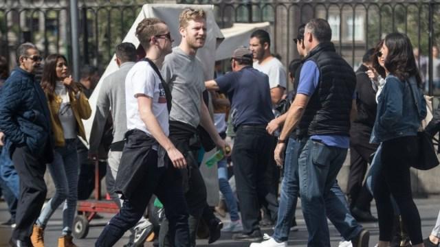 Proponen que extranjeros residentes en México paguen ISR
