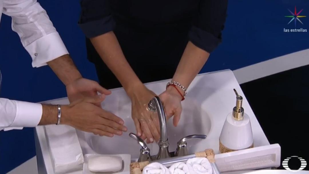 FOTO Así es como debes lavar tus manos, usar el cubrebocas y el gel antibacterial, la explicación en Despierta (Noticieros Televisa)