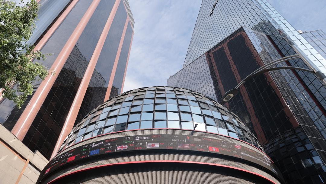 BMV suspende operaciones por fuerte caída; Wall Street repunta