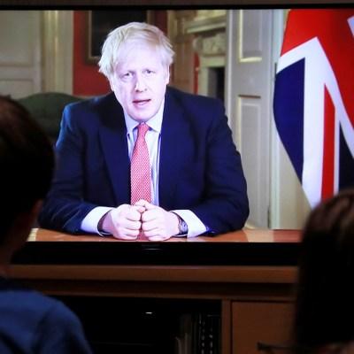 Johnson ordena tres semanas de confinamiento obligatorio por coronavirus en Reino Unido