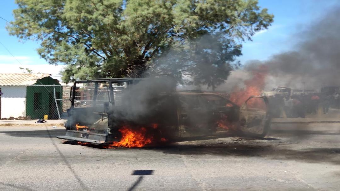 Campesinos Chihuahua queman vehículos por apertura de presa