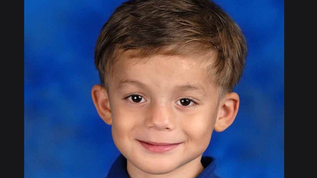 Foto: Isaiah tan solo tenía 6 años cuando murió, 4 de marzo de 2020 (Daily Mail)