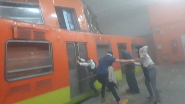 Usuarios del Metro narran cómo fue el choque en Tacubaya