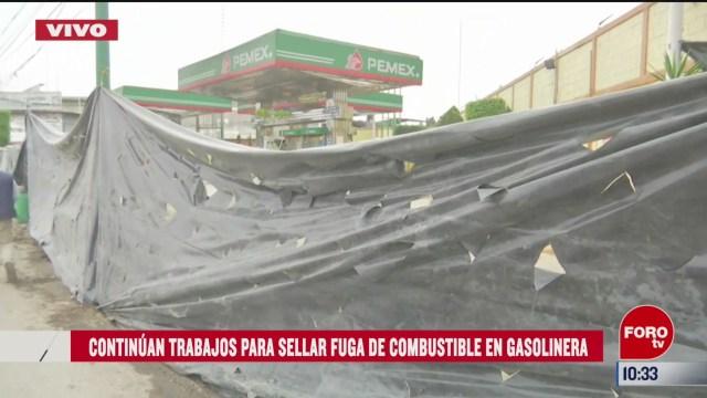 continuan trabajos para sellar la fuga de combustible en gasolinera
