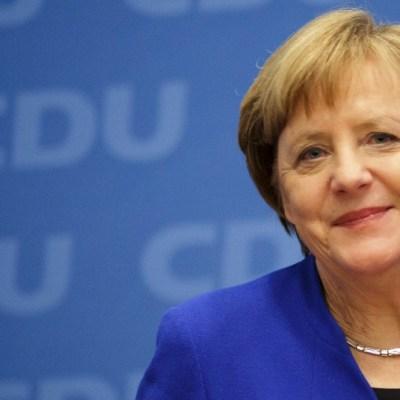 Merkel da negativo de nuevo en test de coronavirus, pero sigue en cuarentena