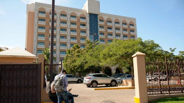 FOTO: Dan alta médica a paciente diagnosticado con coronavirus en Sinaloa, el 11 de marzo de 2020
