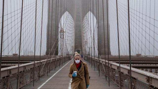 FOTO: ONU dona a Nueva York 250,000 mascarillas para hacer frente al coronavirus, el 28 de marzo de 2020