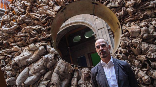 Autor de escultura de Madero celebra las pintas en su obra