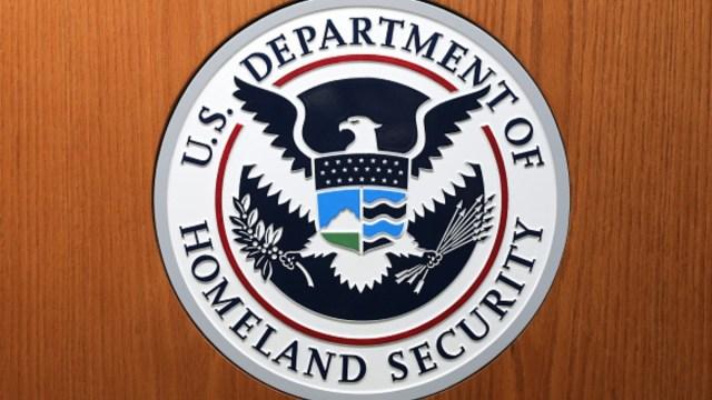 Departamento de Seguridad de EEUU cierra por coronavirus