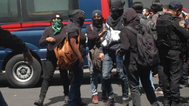 FOTO: Detienen a 18 por vandalizar dirección del IPN; indagarán si hubo abusos, el 10 de marzo de 2020