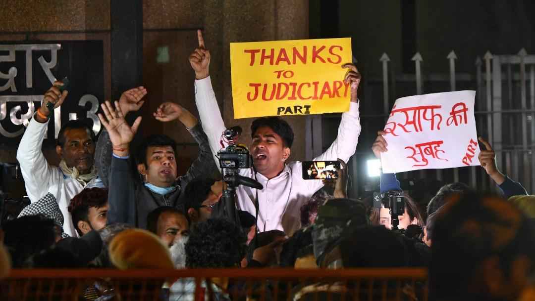Foto: Ejecutan a cuatro implicados en violación y asesinato de joven en India