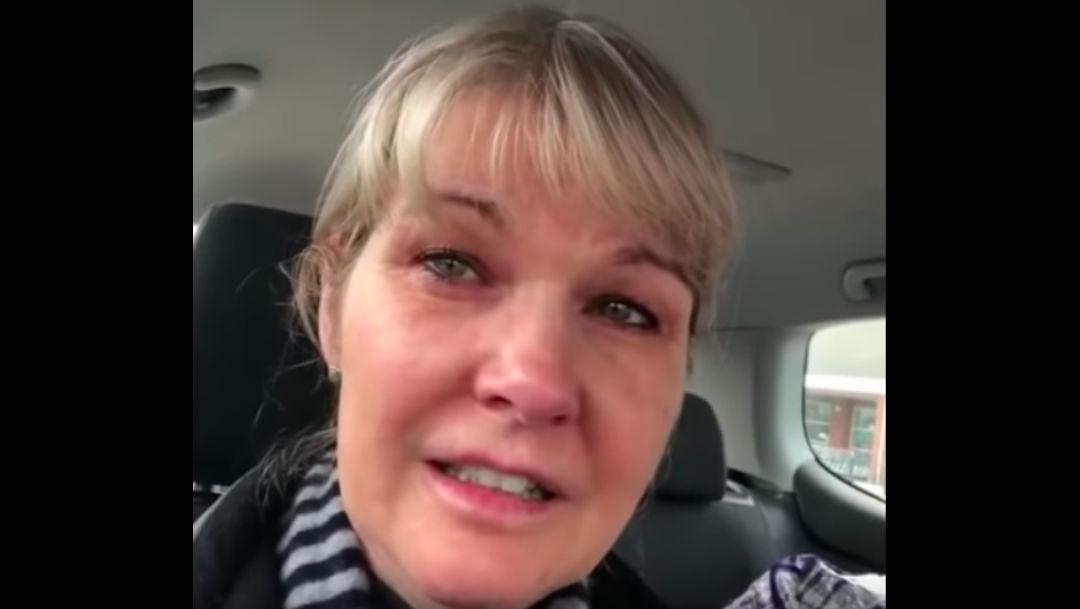 Foto Video: Enfermera llora tras quedarse sin comida por compras de pánico 24 marzo 2020