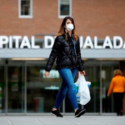 España repartirá cubrebocas en transporte público por coronavirus