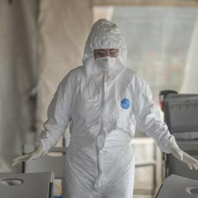 Fuerza Aérea traerá a mexicanos varados en Argentina por coronavirus, dice AMLO