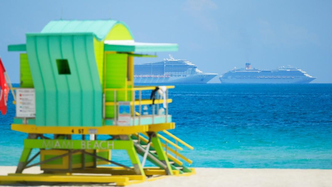 Foto: Los dos barcos de Costa Cruceros quedaron parados cerca de la costa de Miami. Getty Images
