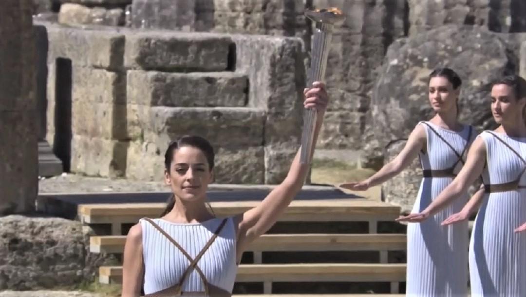 La antorcha olímpica fue encendida en Grecia para los Juegos de Tokio 2020