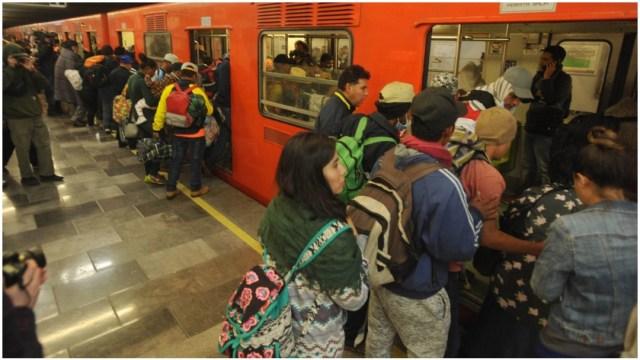 Imagen: El Metro inicia campaña para reducir riesgos por coronavirus, 1 de marzo de 2020 (LUIS CARBAYO /CUARTOSCURO.COM)
