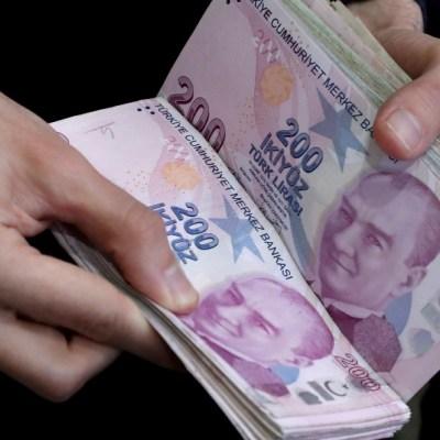 Se desalienta el uso de billetes por el coronavirus