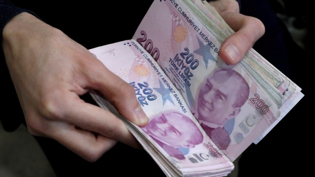 Foto; Se desalienta el uso de billetes por el coronavirus
