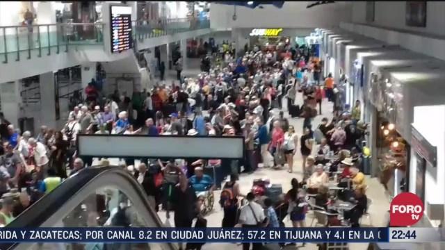 FOTO: 22 marzo 2020, se registra caos por exceso de turistas en aeropuerto de puerto vallarta
