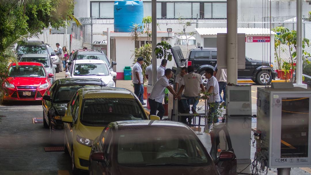 FOTO: Suspenden verificación vehicular en la CDMX por coronavirus, el 25 de marzo de 2020