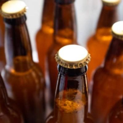 Vacían anaqueles de cerveza ante posible desabasto por coronavirus en México
