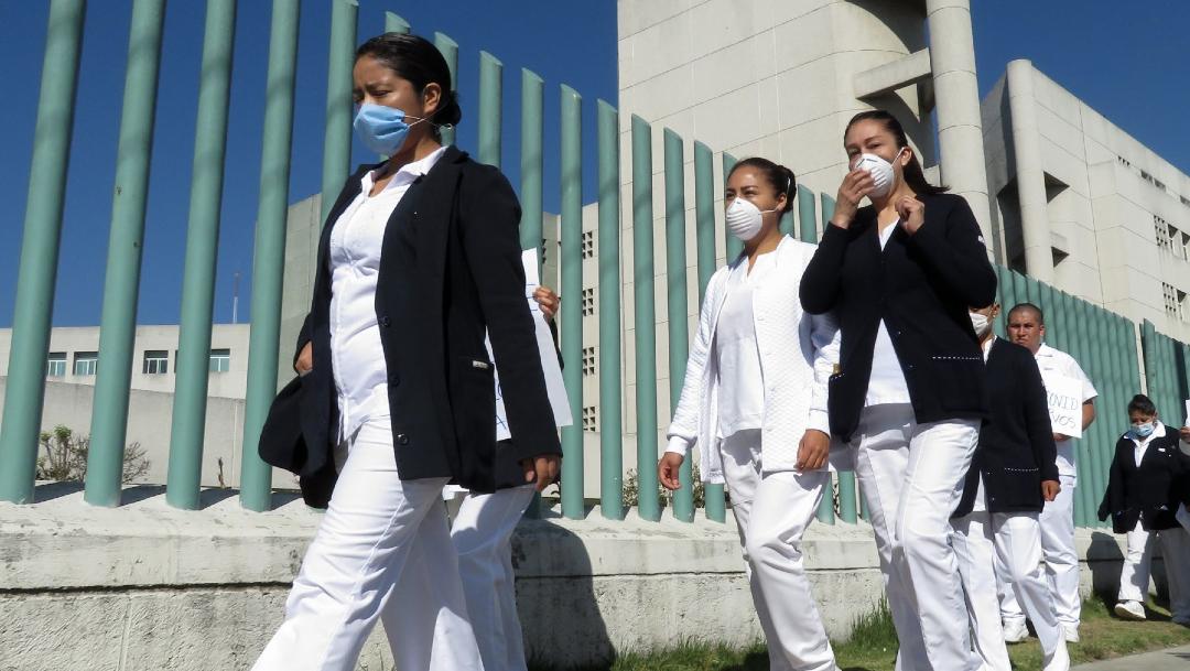 FOTO: Protestan por falta de equipo para coronavirus en Hospital Tacuba, el 21 de abril de 2020
