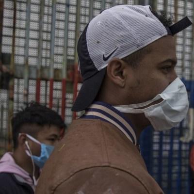 Migrantes se contagian de COVID-19 en frontera México-Estados Unidos