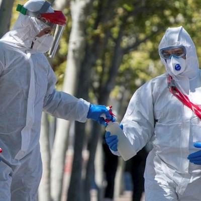 España supera pico de contagios por coronavirus y amplía estado de alarma