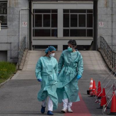 FOTO: Médicos de Italia protestan por falta de equipo ante coronavirus, el 6 de abril de 2020