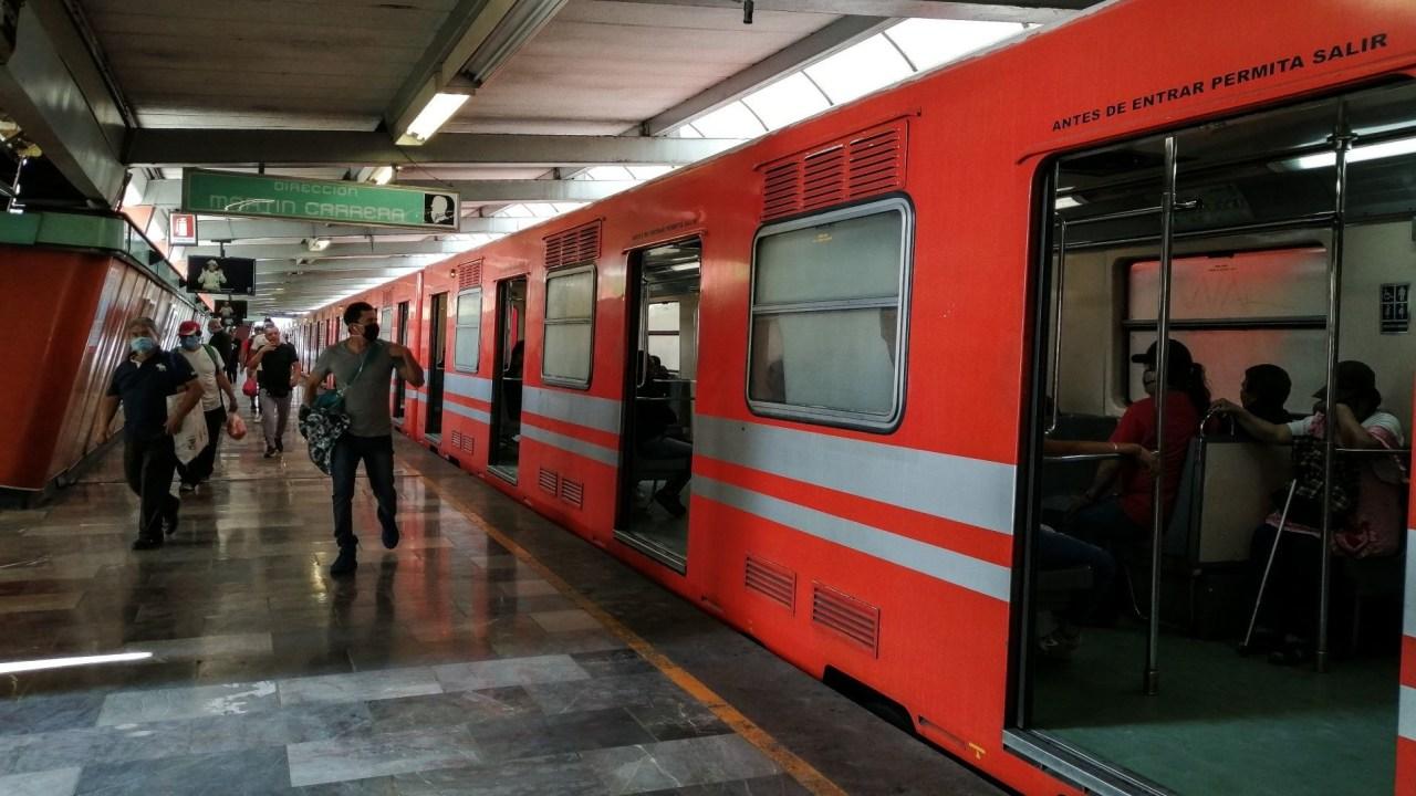 Foto: Así luce el Metro de CDMX tras cierre de algunas estaciones, 23 de abril de 2020, (ANDREA MURCIA /CUARTOSCURO.COM)