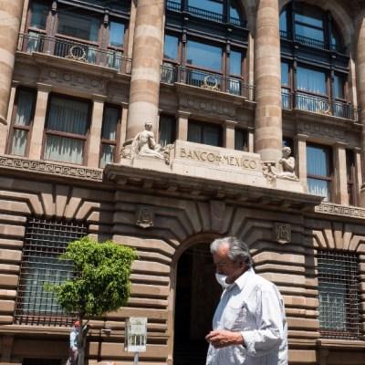 AMLO pide a Banxico usar reservas del país con moderación