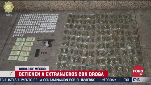 FOTO: 4 de abril 2020, detienen a tres sudamericanos con 314 bolsas de enervantes en azcapotzalco