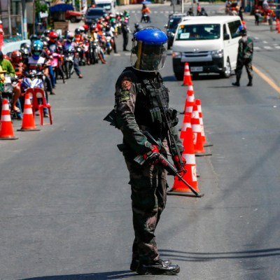Duterte ordena matar a quien viole cuarentena por coronavirus, en Filipinas