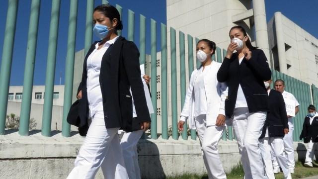 Coronavirus: Arrojan cloro a enfermera de Sinaloa