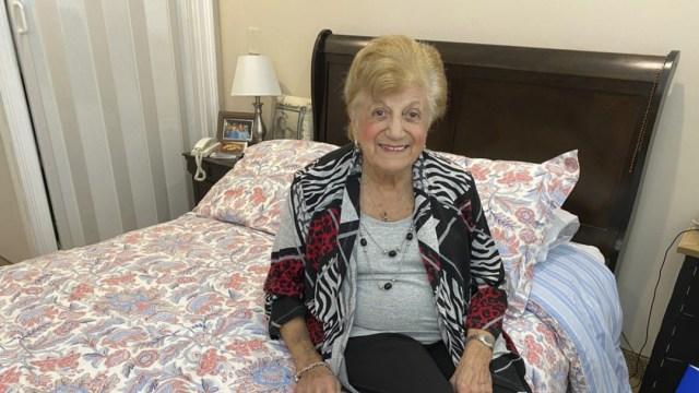 FOTO: Mujer de 90 años sobrevive a coronavirus en Estados Unidos. el 7 de abril de 2020