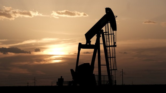 Foto: El petróleo Texas se dispara 21,55 % por tensiones en Medio Oriente