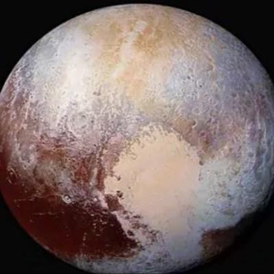 Más evidencias sugieren que Plutón alberga un océano bajo su corteza