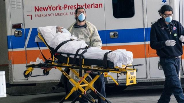 Foto: Personal médico en EEUU protesta por falta de protección ante coronavirus