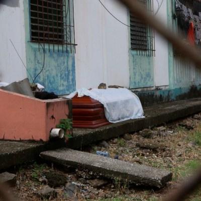Sistema de Salud en Ecuador colapsa por coronavirus; cuerpos se descomponen en las calles