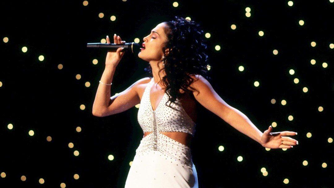 Revelan escenas nunca vistas de Jennifer López como Selena