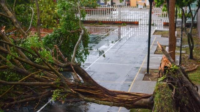 Alertan por posible formación de más tornados en Nuevo León
