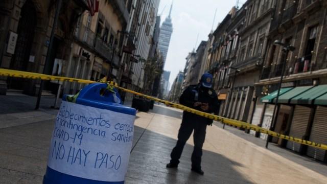 El Gobierno de la CDMX cerró algunas calles del Centro Histórico para evitar un conglomerado de personas ante la pandemia del coronavirus. (Foto: Cuartoscuro)